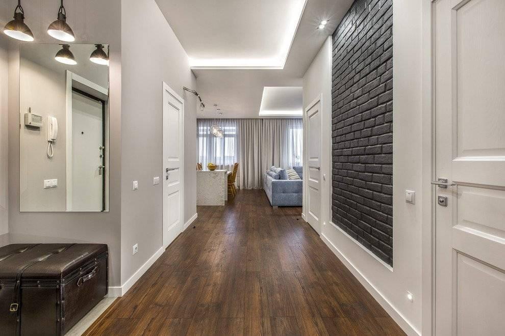 Белые двери (58 фото): глянцевые изделия с эмалью в интерьере квартиры в стиле классика, как выбрать модели к светлым стенам и плинтусу, реальные варианты