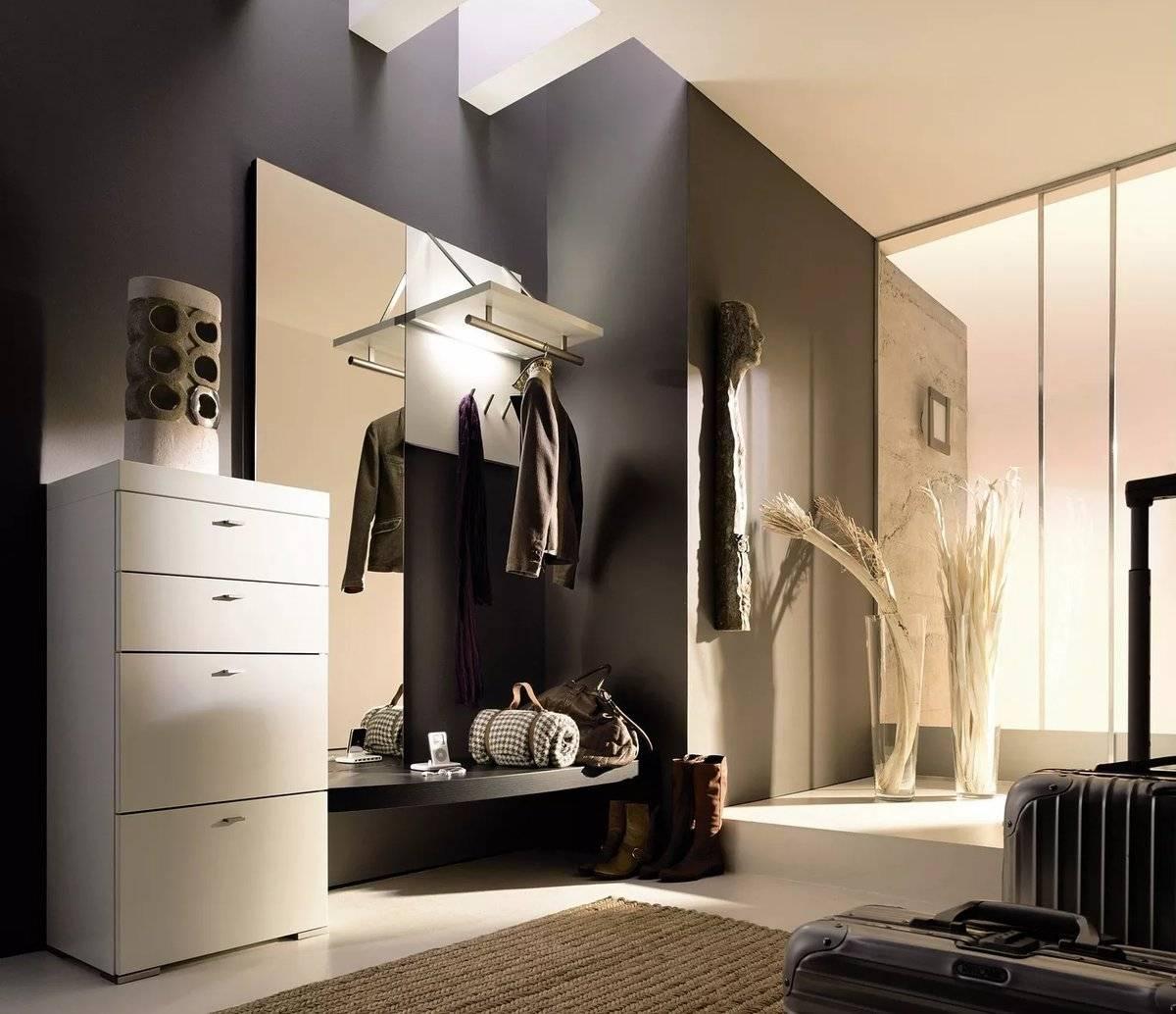 Светлая прихожая (85 фото): дизайн шкафа и входной двери в светлых тонах в коридоре, интерьер прихожей цвета слоновой кости и другие варианты