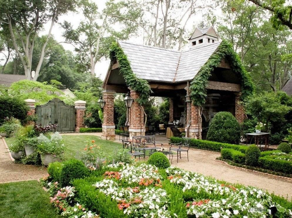 Правильное озеленение двора своими руками: 110 фото как просто и красиво украсить цветами и растениями двор