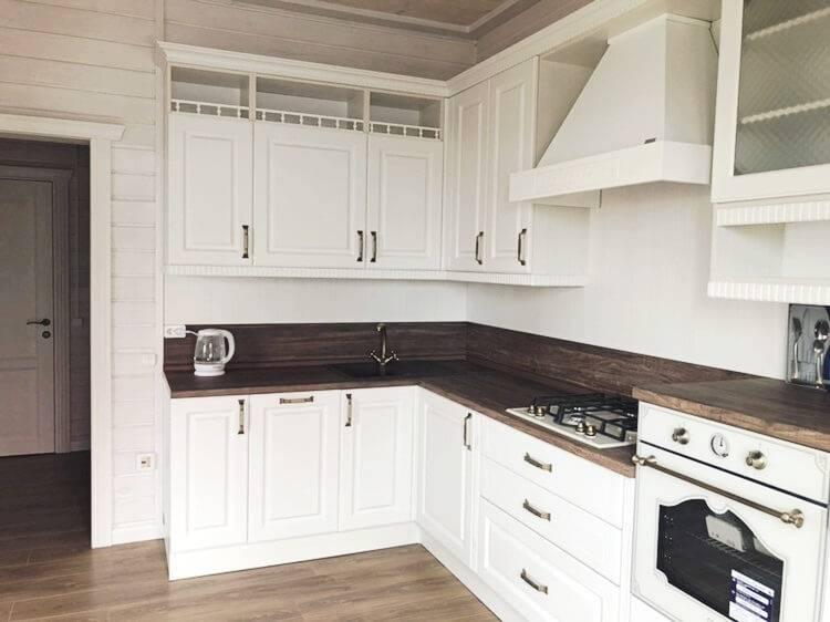 Дизайн летних кухонь в загородном доме