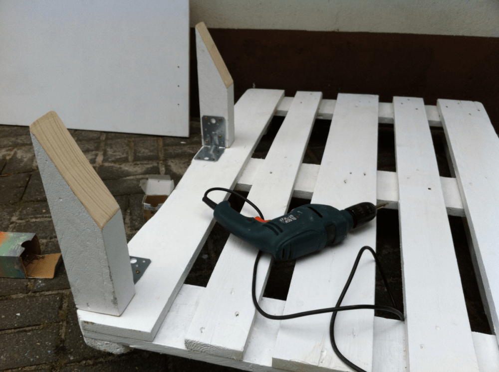 Как сделать диван: инструкции по изготовлению