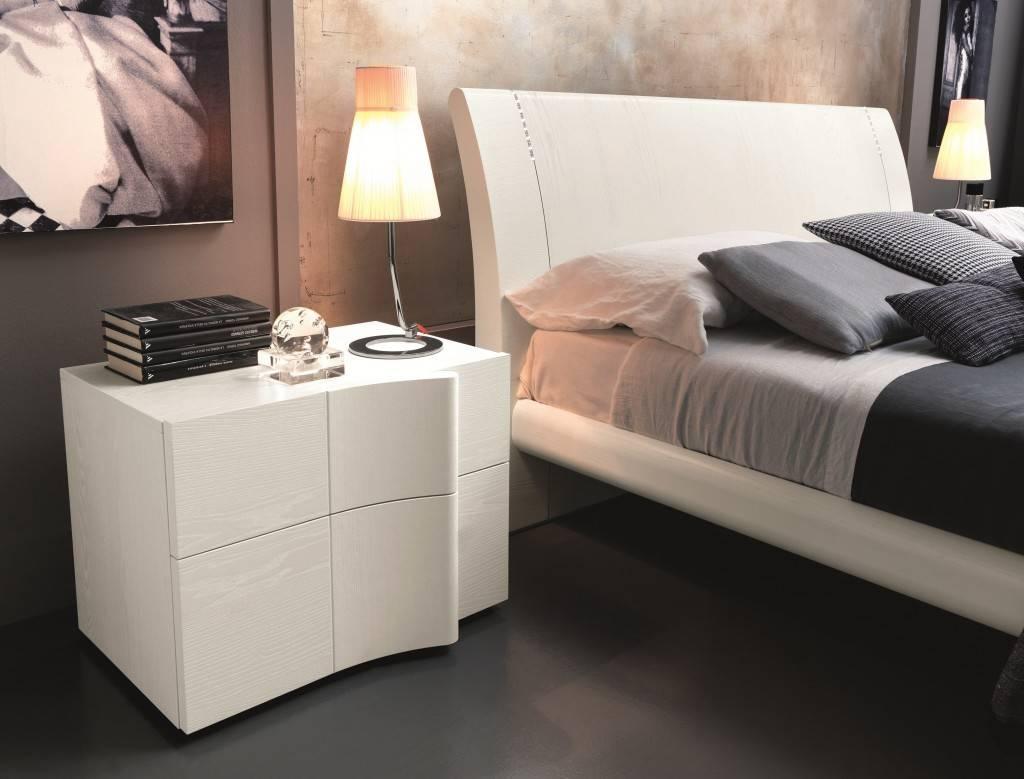 Полки в спальню (120 фото новинок) - красивый и современный дизайн полок для спальни