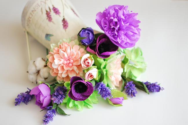 Как сделать розу своими руками: 120 фото-идей красивых цветов из бумаги, атласных лент, фоамирана. схемы изготовления цветов и букетов.