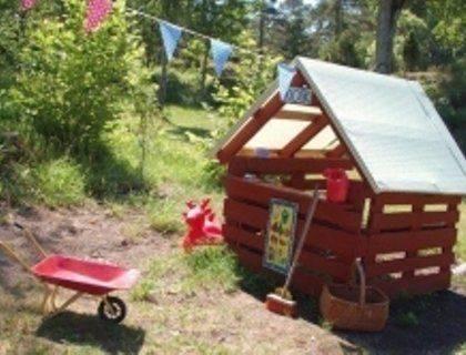 Строительство детского домика из дерева своими руками на даче: подробная инструкция, чертеж и фото идей