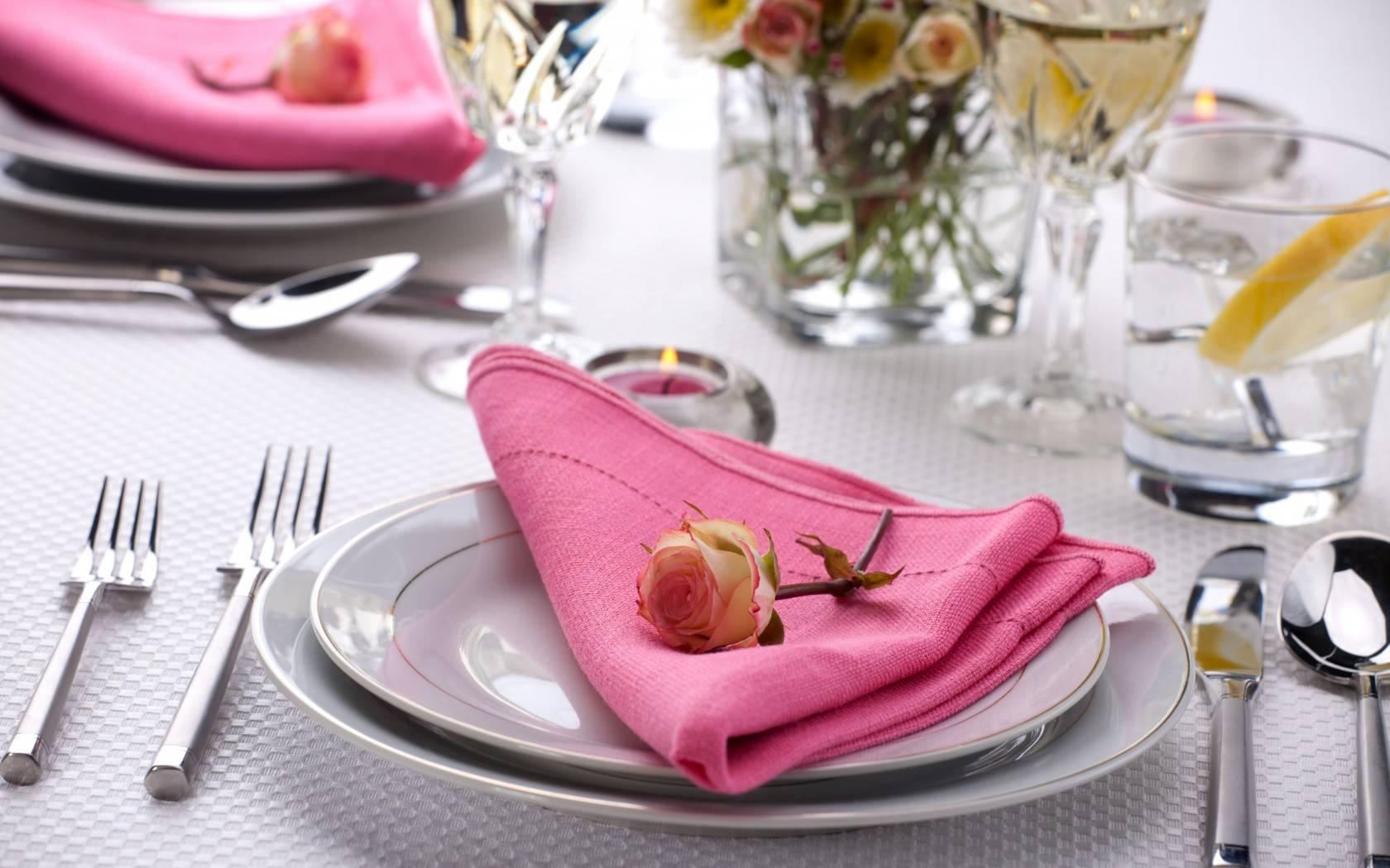 Правила сервировки стола в домашних условиях - идеи декора для праздников, банкетов, свадеб и на каждый день