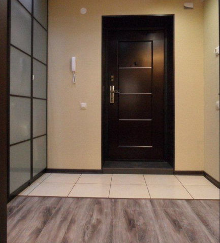 Дизайн пола в прихожей (66 фото): что лучше постелить в коридоре, теплое напольное покрытие, идеи и примеры воплощения