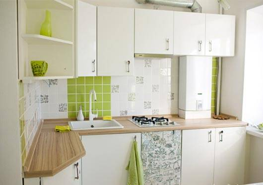 Дизайн маленькой кухни 5 кв м в хрущевке с холодильником, газовой колонкой и прочим: новинки 2019 года, фото-идеи