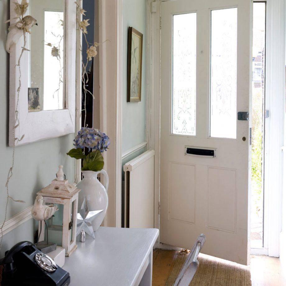 Фотографии идей современного дизайна маленьких прихожих комнат 2020