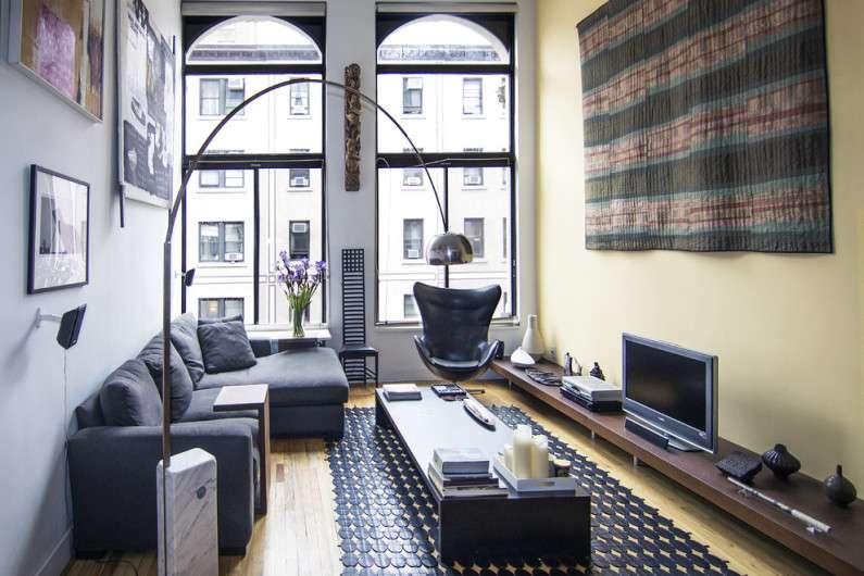 Особенности оформления современного дизайна гостиной с белой мебелью