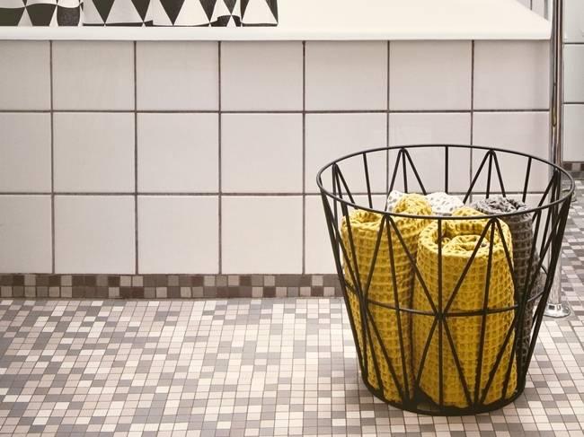 Корзина для белья своими руками: сделать из коробки в ванную комнату, сшить из ткани для грязного белья