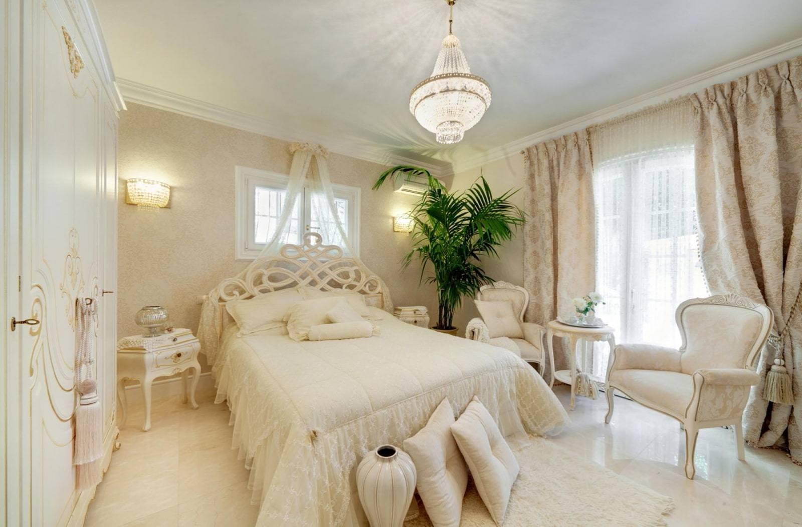 Дизайн спальной комнаты в бежевых тонах с фото