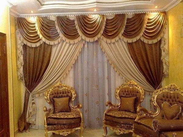 Как правильно выбрать шторы к интерьеру: разберем на примере гостиной