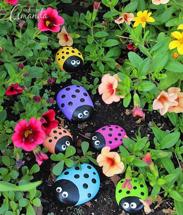 Идеи для дачи своими руками - обустройство ландшафтного дизайна в саду и на приусадебном участке, поделки из подручных материалов, дизайн, как сделать красивые клумбы и цветники, хитрости в оформлении, фото необычного оформления
