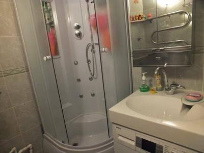 Душевые из плитки (55 фото): из кафеля со сливом в полу, их размеры. дизайн ванной комнаты со встроенными кабинками с мозаикой