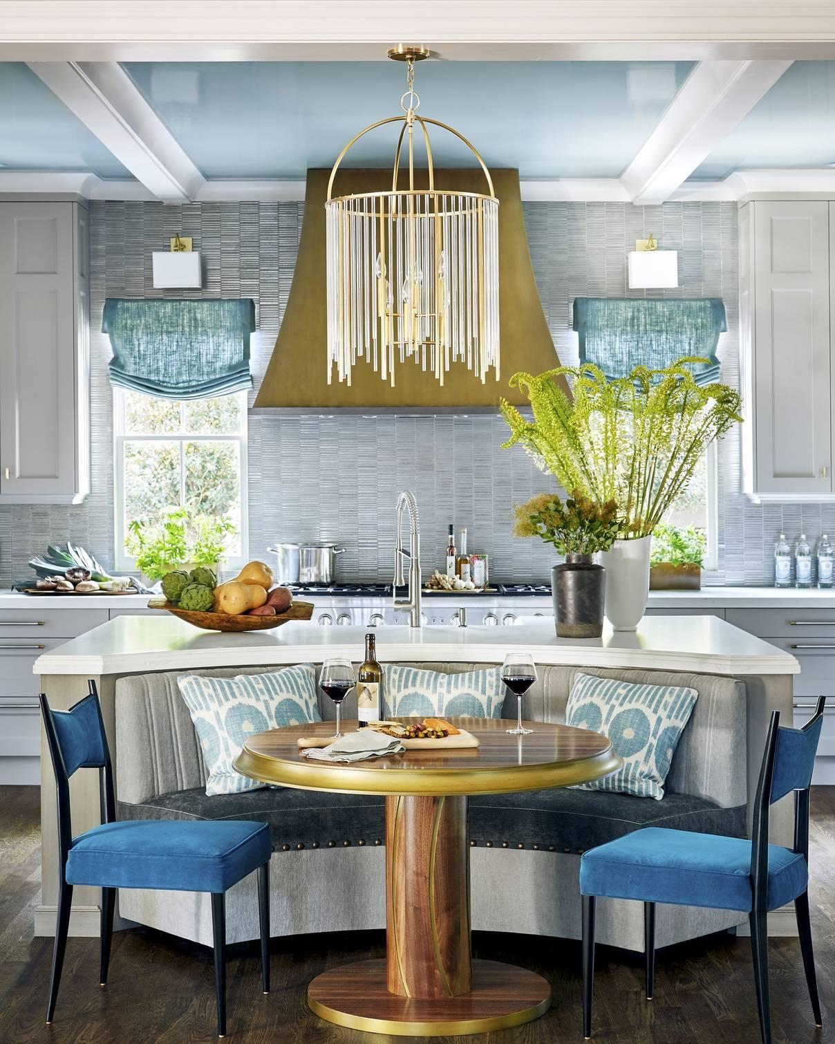 Круглый стол в интерьере кухни: 100 вариантов с фото