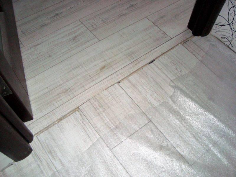 Сочетание плитки и ламината в прихожей 63 фото комбинированный дизайн пола с плиткой в коридоре, отзывы