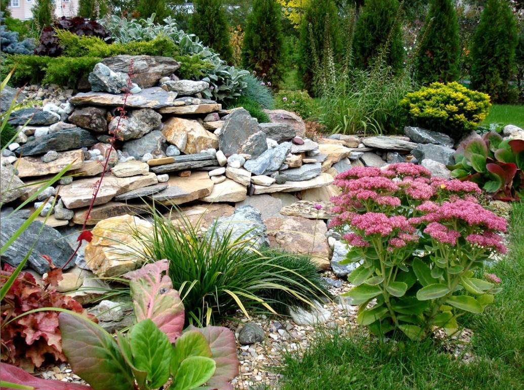 Природный камень в ландшафтном дизайне: фото композиций из камней, каменистый садик своими руками